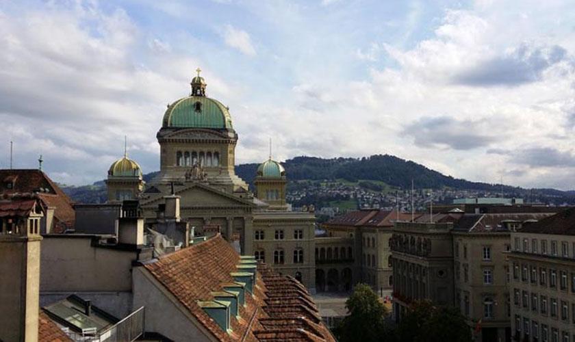 Bundeshaus vom Käfigturm aus