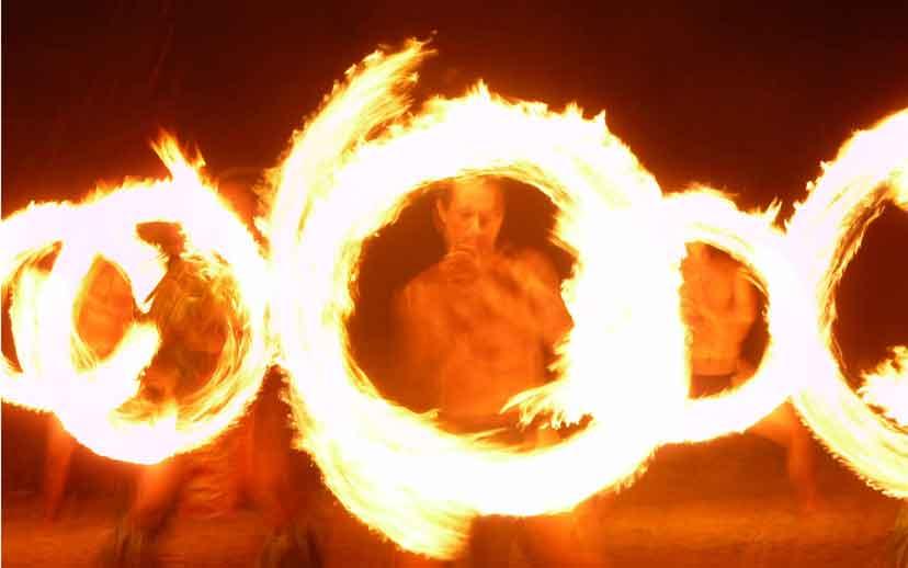 Feuershow auf der Südsee